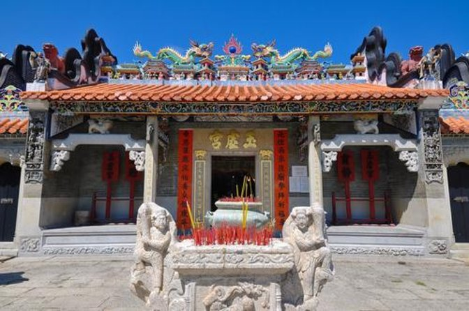 Temple of the Six Banyan Trees (Liurong Si)