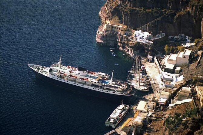 Port of Santorini (Athinios Port)