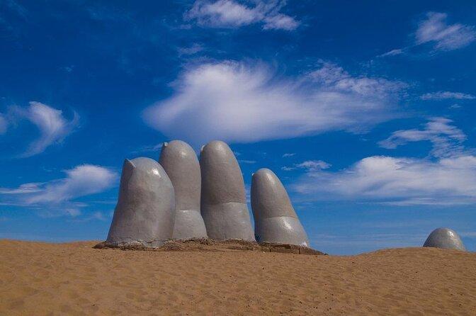 Mão de Punta del Este (La Mano de Punta del Este)