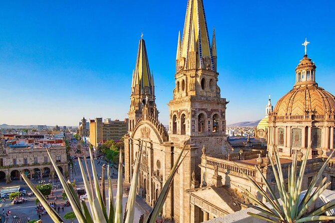 Guadalajara Private City Tour with drinks