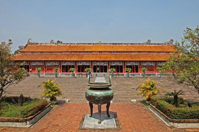 Forbidden Purple City (Tu Cam Thanh)
