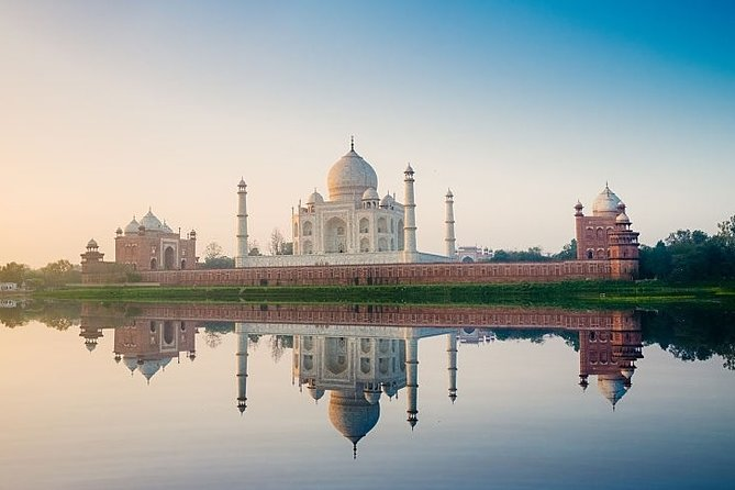 Day Trip To Taj Mahal, Agra Fort and Baby Taj from Delhi by Car - All Inclusive