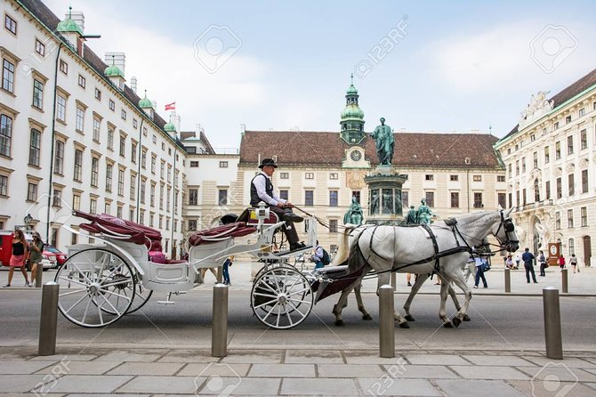 Direct one way transfer from Prague to Vienna