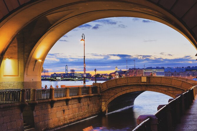 Private Bridges and Canals Tour in St Petersburg with Local Expert