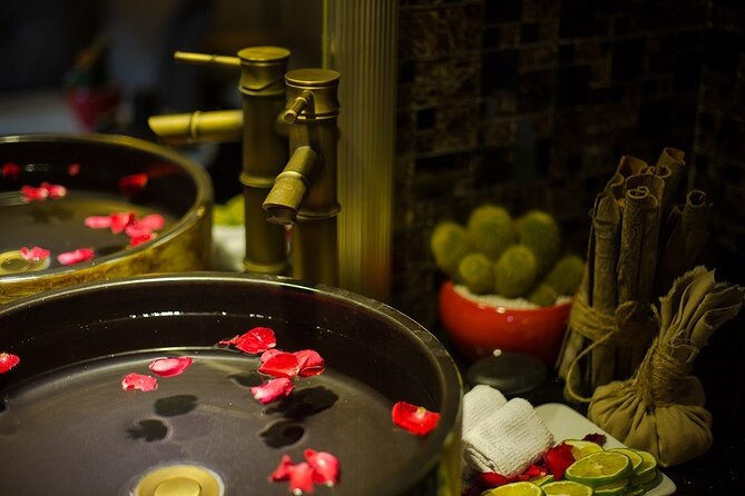 Enjoy body massage with Vietnamese dinner