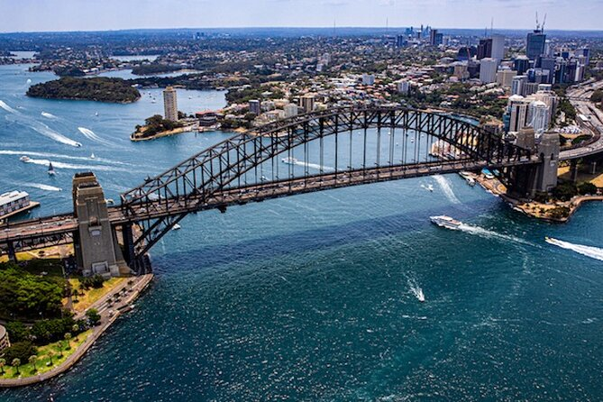 Helicopter Flight Over Sydney and Beaches - 20 Minutes
