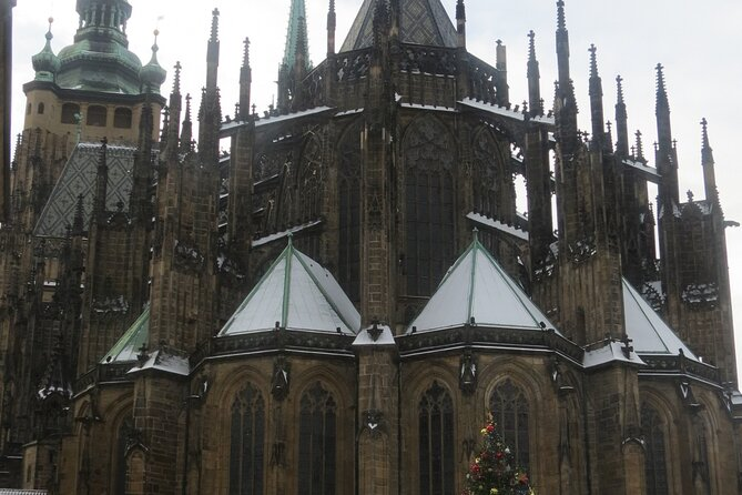 Small Group Walking Tour in Prague Castle