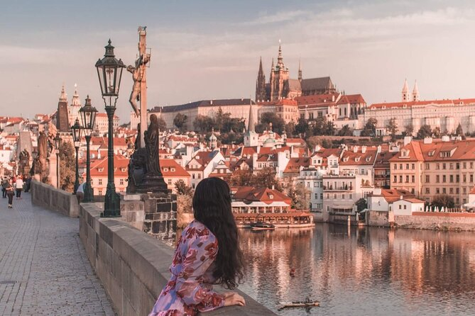 Private one way sightseeing transfer from Vienna to Prague via Cesky Krumlov