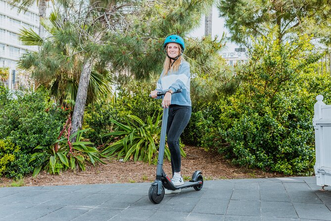 Cannes Electric scooter Rental - 2H - CAT A