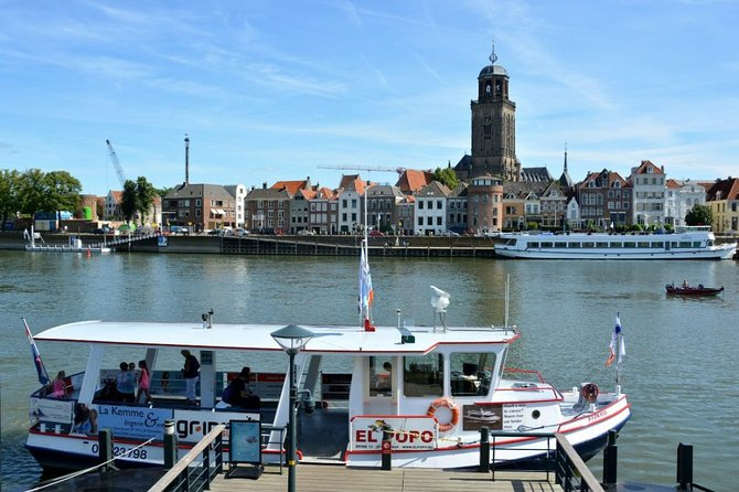 Self-Guided Walking Tour Deventer with interactive Qula Trail