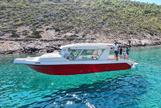 Full-Day Speedboat Tour through Vis and the Pakleni Islands