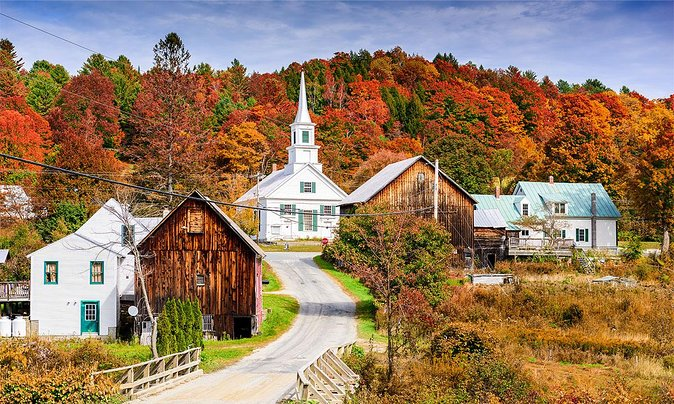 11 Epic Fall Foliage Road Trips to Drive This Year