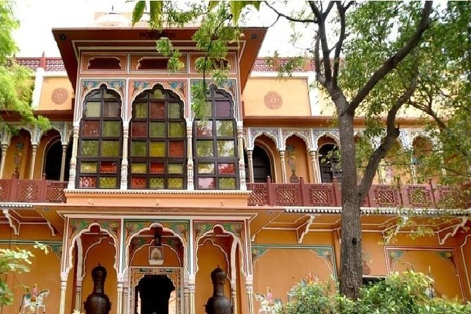 Jaipur full-day tour with dinner at Chokhi Dhani Resort