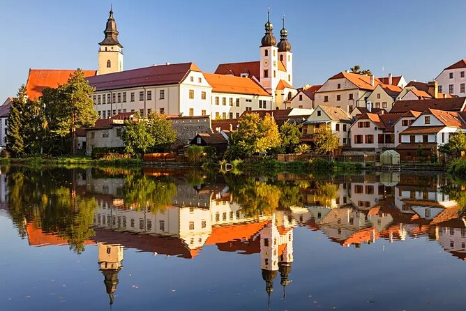 Private day trip from Prague to UNESCO town of Telc with a guided walking tour