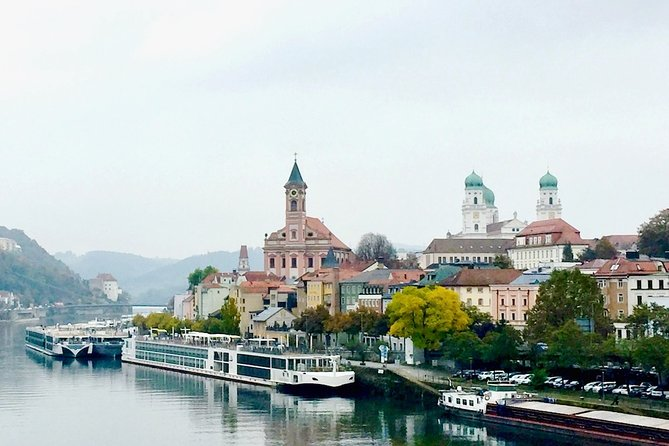 One way private transfer from Passau to Prague
