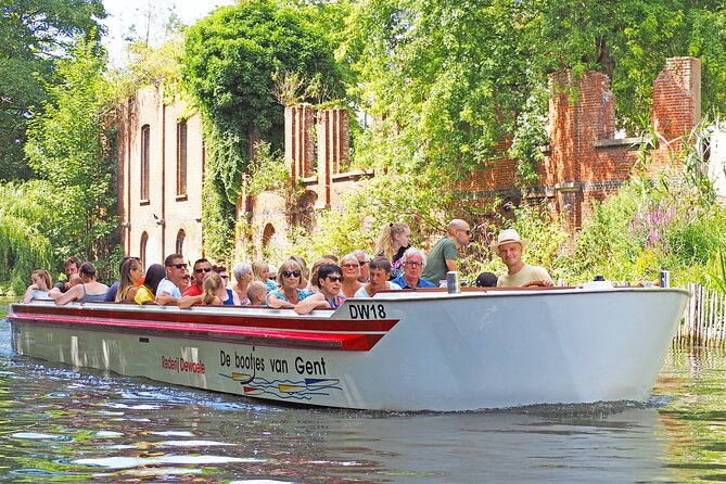 Guided boat trip in medieval Ghent