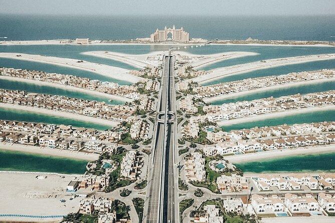 Private Dubai Driving Tour with Palm Jumeirah, Dubai Creek and Deira's Souks