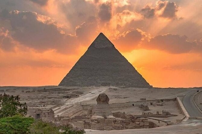 Giza Pyramids , Great Sphinx , Egyptian Museum and Bazaar