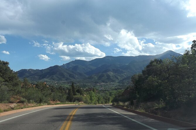 Listen to a Tour Guide While You Drive between Breckenridge and Denver