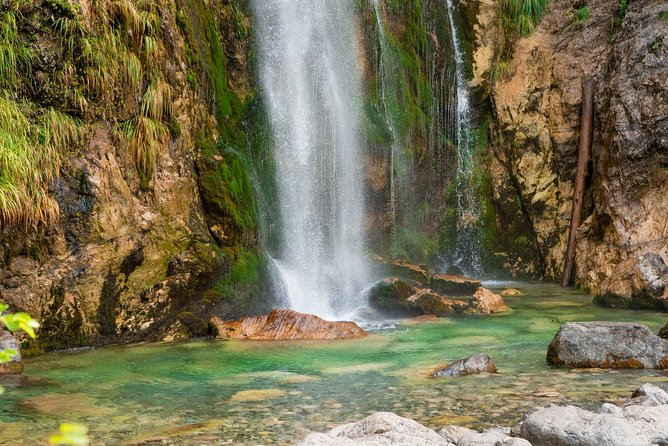 2-Day Private Guided Jeep and Hiking Tour of Theth