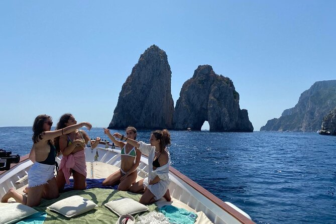 Capri Boat Tour: Living la Dolce Vita
