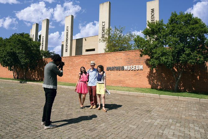 Full Day Soweto & Apartheid Museum