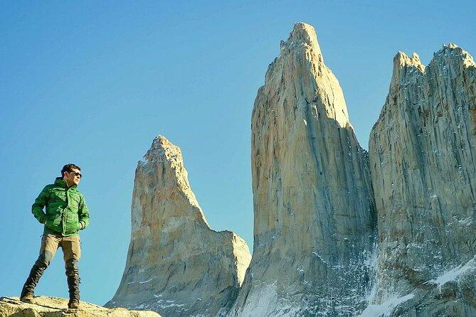Trek to Torres del Paine lookout (Mirador)
