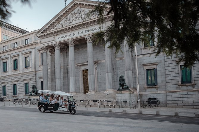 Expert PLUS tour of Madrid by electric tuk-tuk
