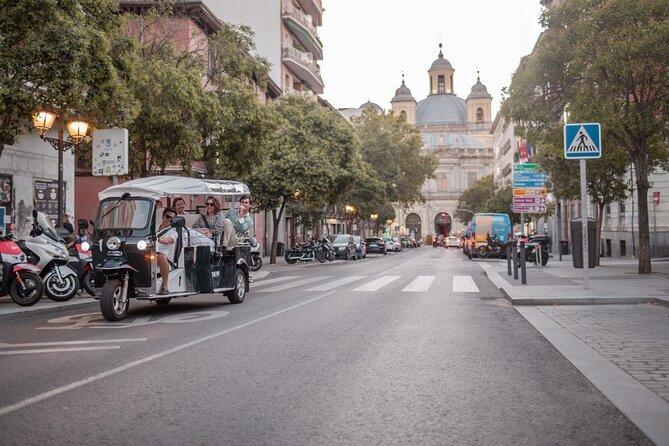 Excursão de 3 horas a Madri em tuk-tuk elétrico