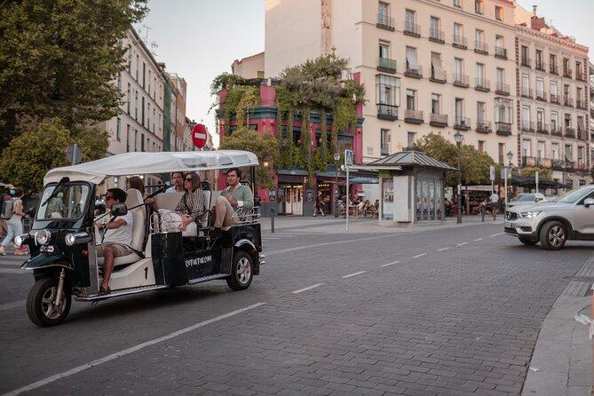 Gastronomic tour by electric tuk-tuk around Madrid