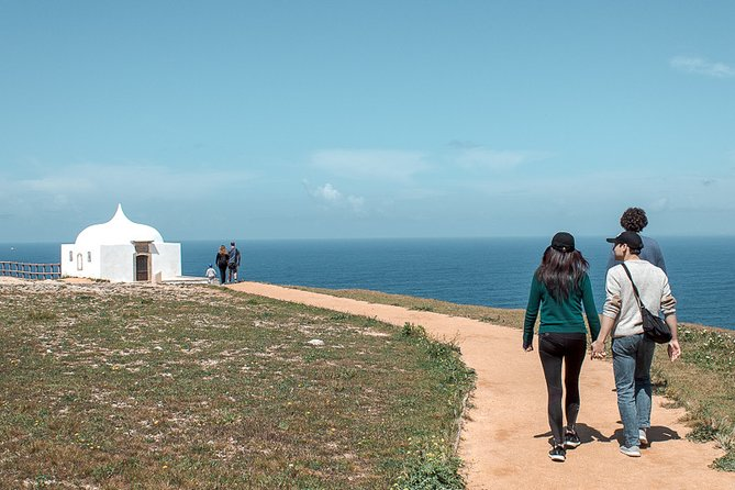 Private Tour: Arrábida Natural Park and Sesimbra Day Trip from Lisbon