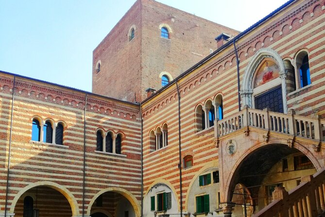 Verona's Secrets: unveil the soul of Verona thanks to your local licensed Tourist Guide