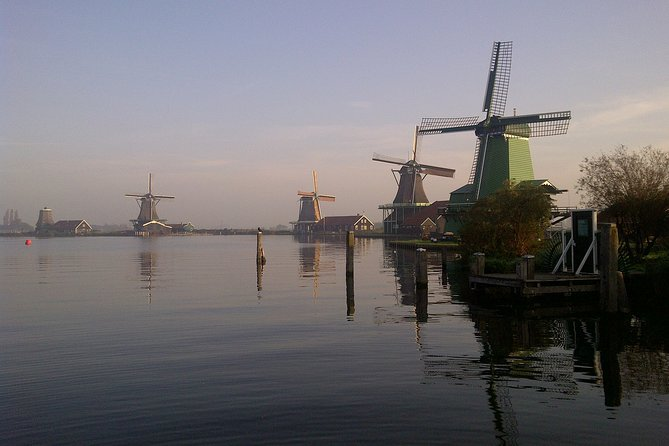Small-Group Tour to Zaanse Schans Windmills & Giethoorn Village (Max 4 persons)