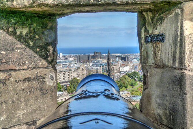Edinburgh Audio Tour: Discover its History and Secrets