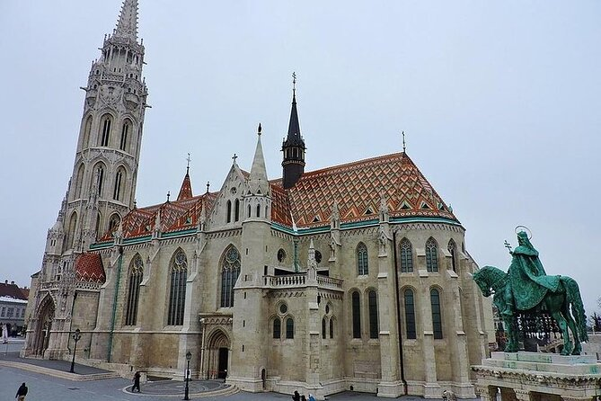 Private World Heritage walk of the Buda Castle District and pub hopping tour