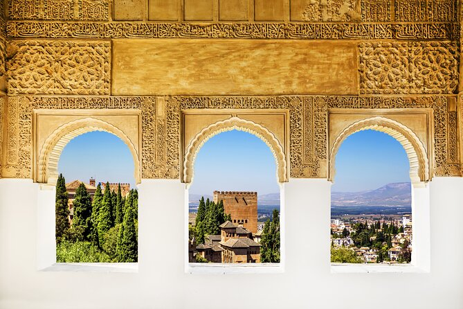 Private Tour With A Different Perspective of Alhambra