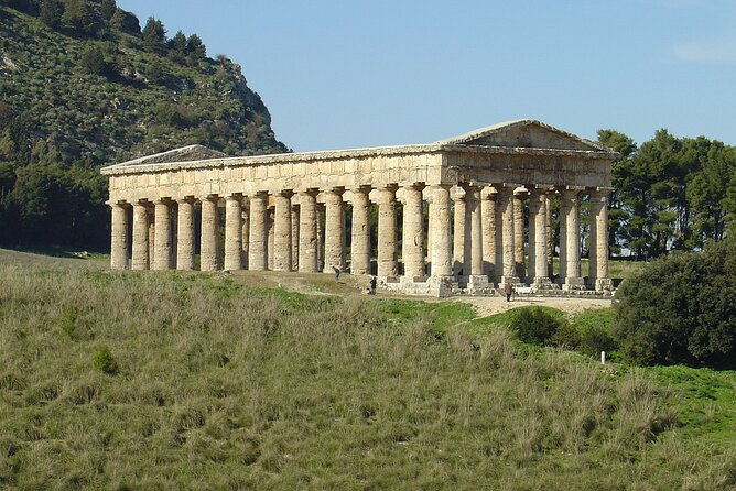 Segesta & Borgo Parrini half day tour