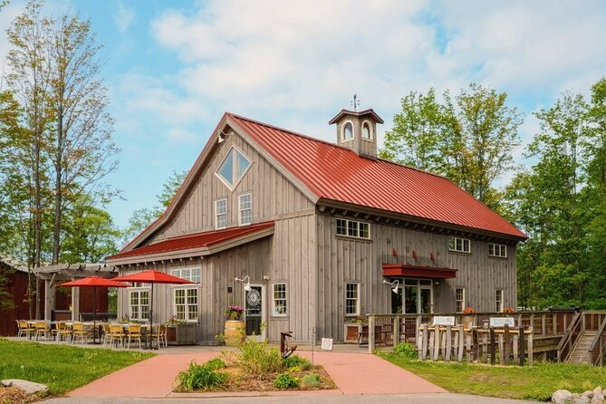 5 Hour Traverse City Wine Tour: 4 Wineries on Leelanau Peninsula