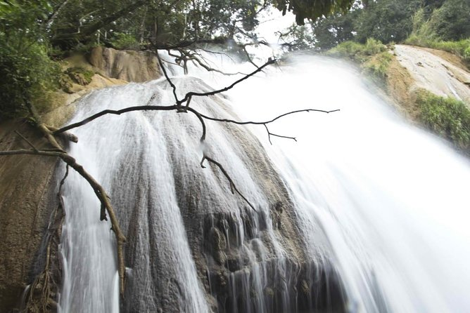 Cascada Cola de Caballo (Horsetail Waterfall)