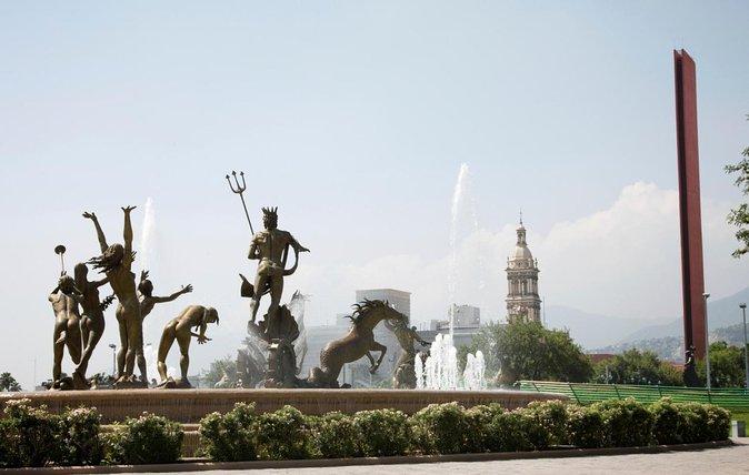 Macroplaza (La Gran Plaza)