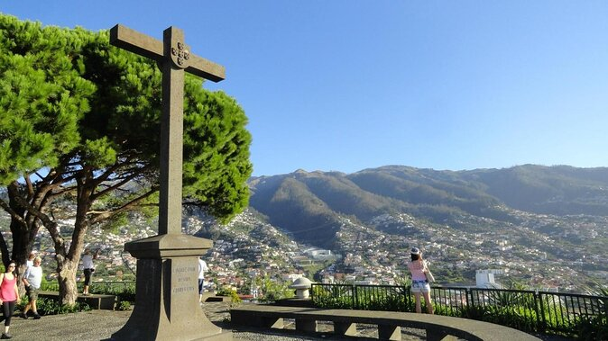Aussichtspunkt Pico dos Barcelos (Miradouro Pico dos Barcelos)