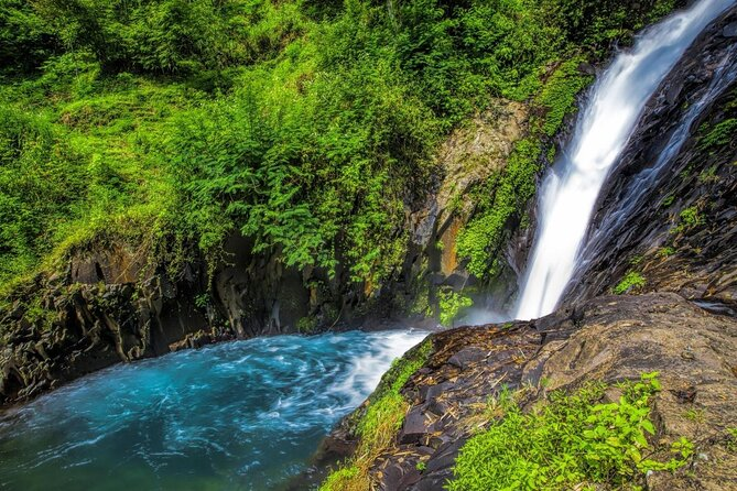 Gitgit Wasserfälle (Air Terjun Gitgit)