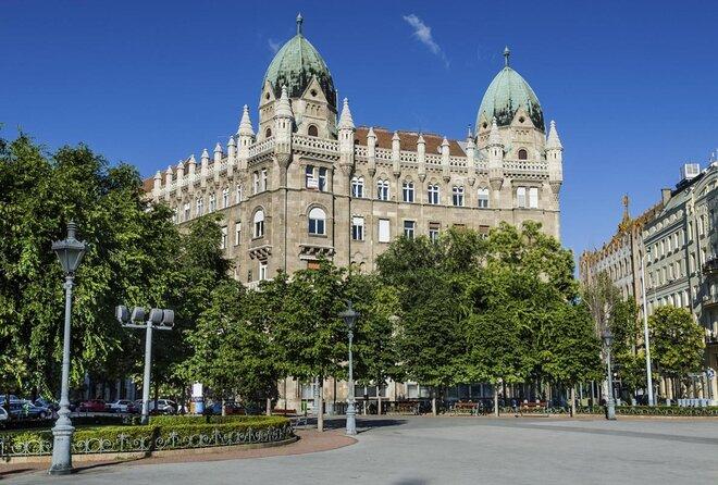 Budapest Liberty Square (Szabadság Tér)