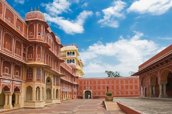 2-Days Private Jaipur Overnight Tour from Delhi by Car