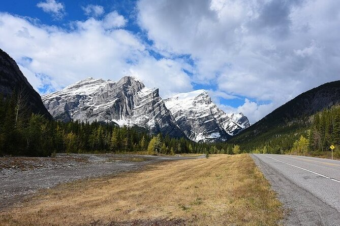 Listen to a Tour Guide as you Drive between Lake Louise and Calgary