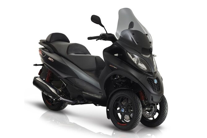 MP3 500 LT Piaggio scooter rental (B / A1 license) Paris