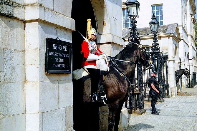 Royal London And Changing of Guard - Very Small Group Tour