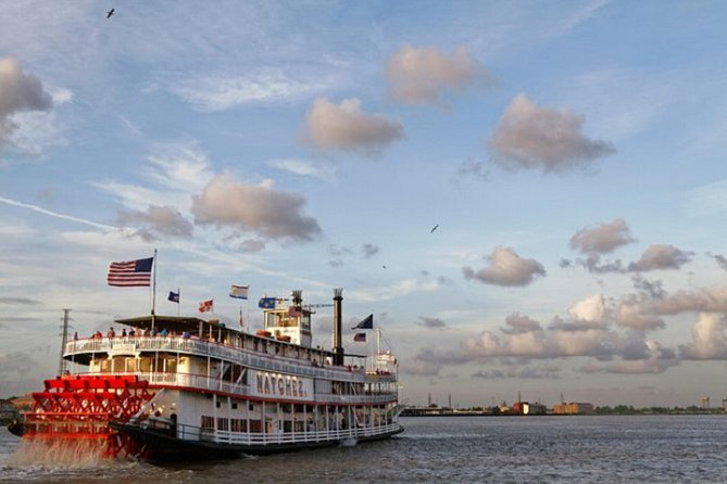 Steamboat Natchez Jazz Dinner Cruise with VIP Boat Tour and Open Bar Upgrade