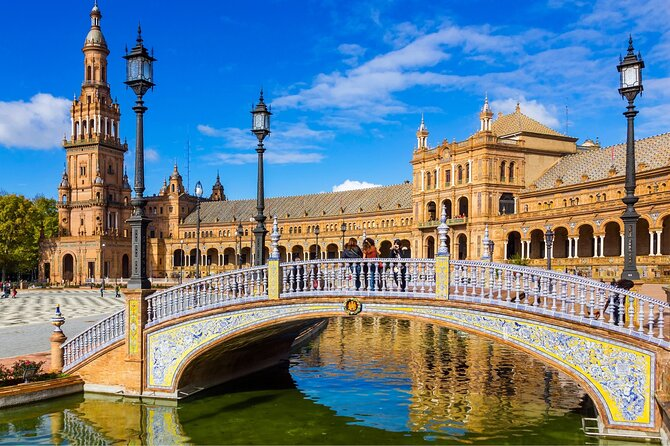 Sevilla Full-Day Tour with Alcazar & Cathedral Skip-the-line Tickets