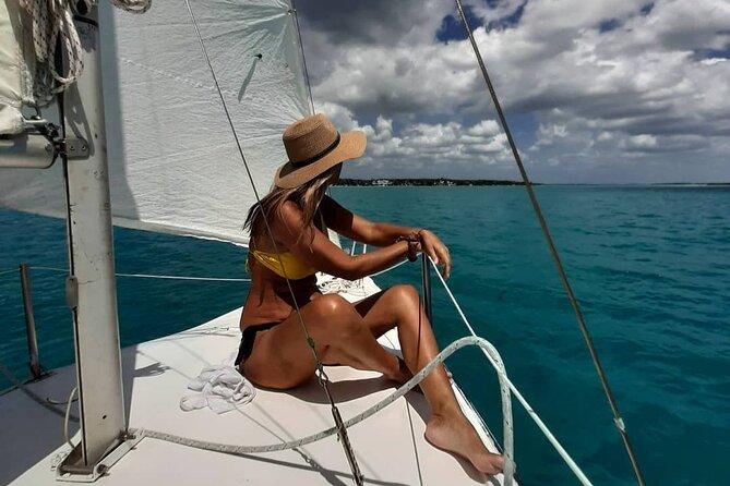 Sailing Tour through the Laguna de los Siete Colores